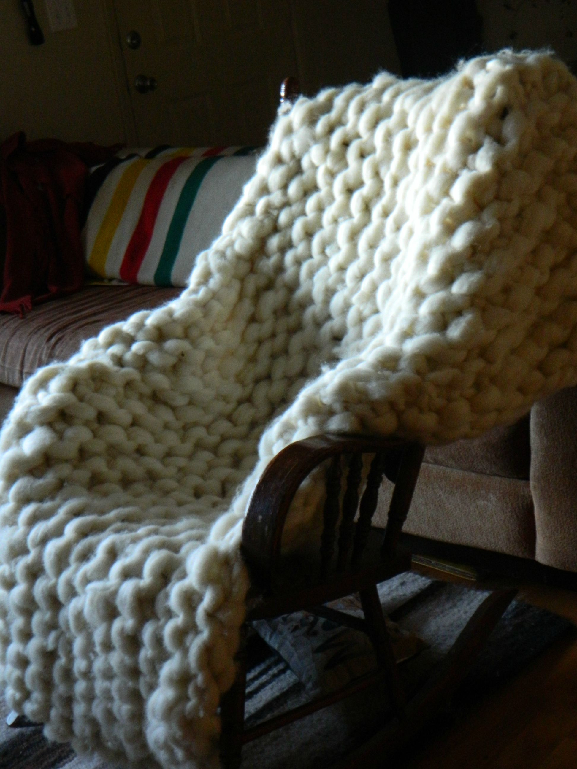 Giant Yarn Blanket Beautiful Knitter Makes A Giant Blanket with Rope Thick Wool Yarn Of Unique 44 Images Giant Yarn Blanket