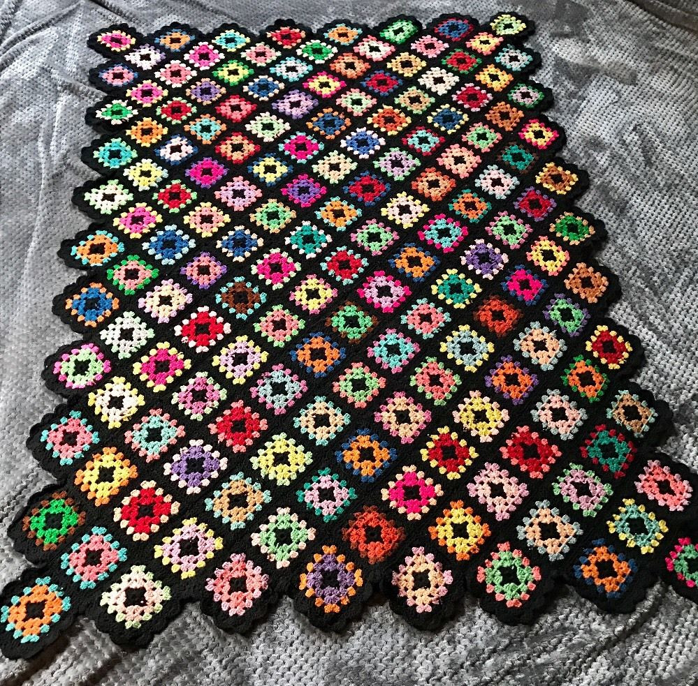 Granny Square Afghan Awesome Vintage Granny Square Black Afghan Crochet Throw Blanket Of Adorable 50 Pics Granny Square Afghan