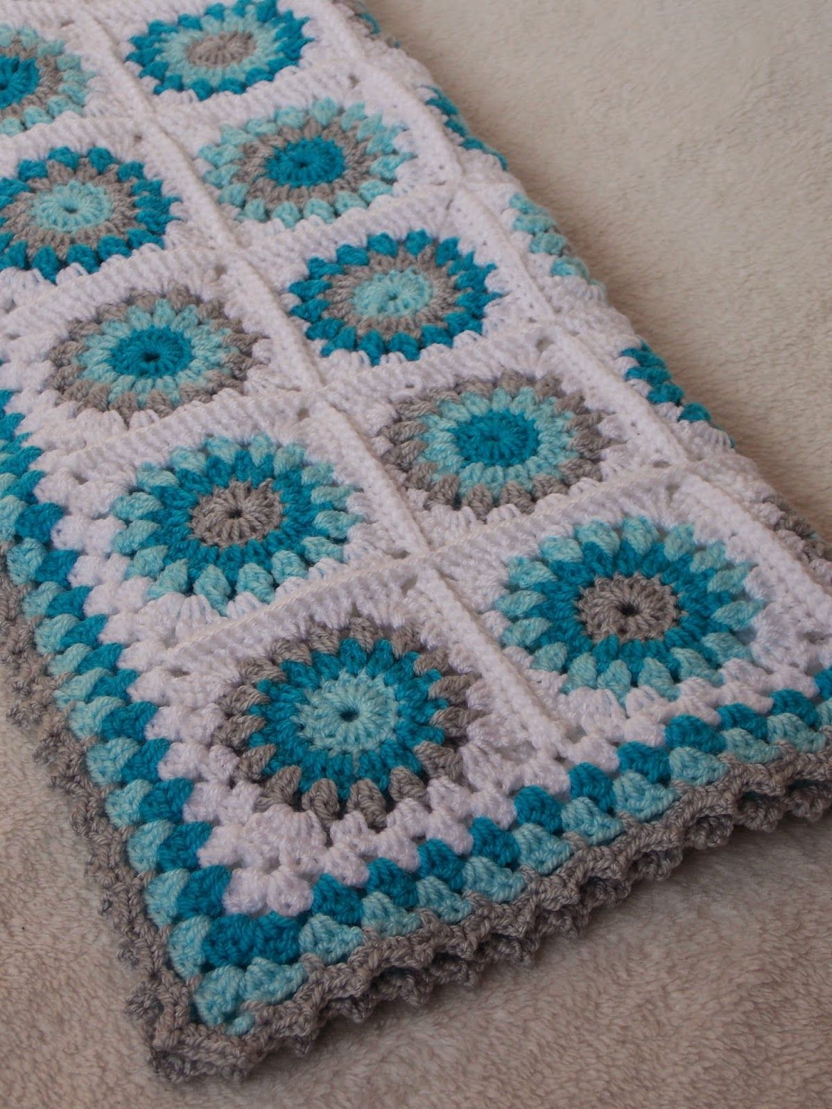 bBeautiful colours in this baby blanket by Renate She