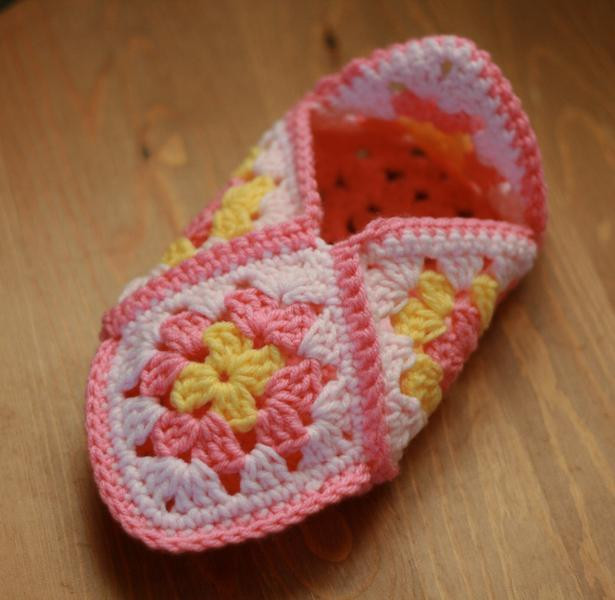Granny Square Slippers Awesome You Have to See Granny Square Slippers by bythemoonlight Of Fresh 41 Ideas Granny Square Slippers