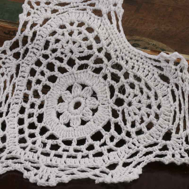 2026 2469 8350 white heart crocheted doilies