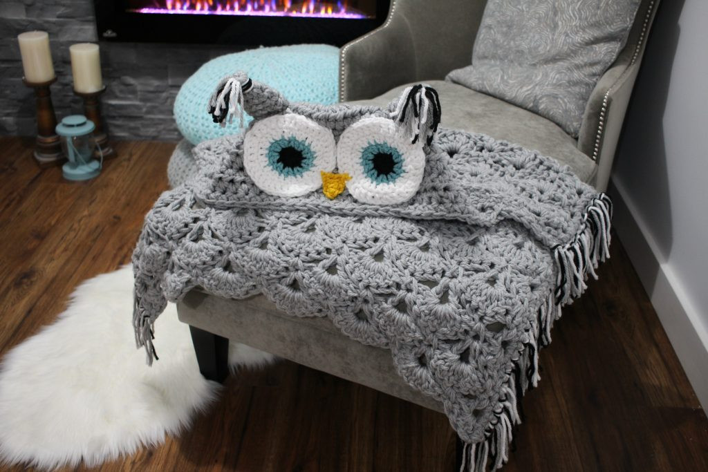Viral Hooded Owl Blanket MJ s off the Hook Designs