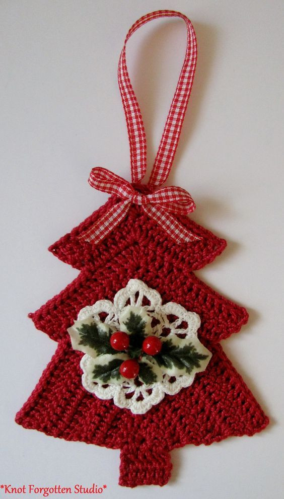 crochet christmas ts