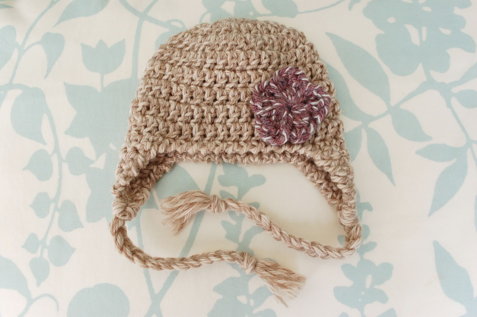 Alli Crafts Free Pattern Earflap Hat Newborn Old Version