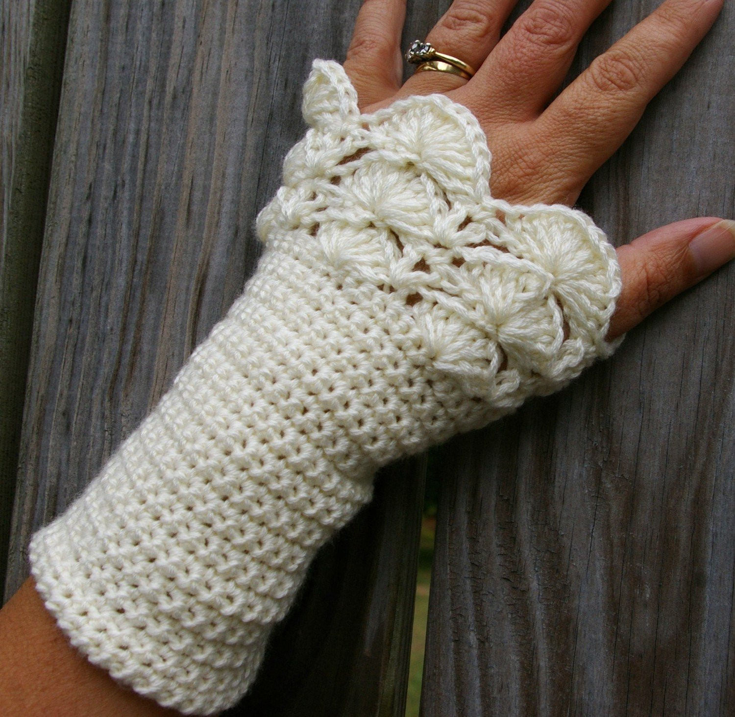 Inspirational Arm Warmers Fingerless Gloves In Cream Peacock Ruffle Crochet Crochet Arm Warmers Of Gorgeous 44 Images Crochet Arm Warmers