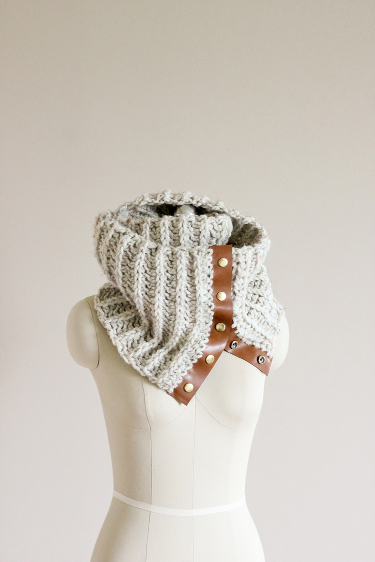 Crochet Leather Snap Scarf – Free Pattern