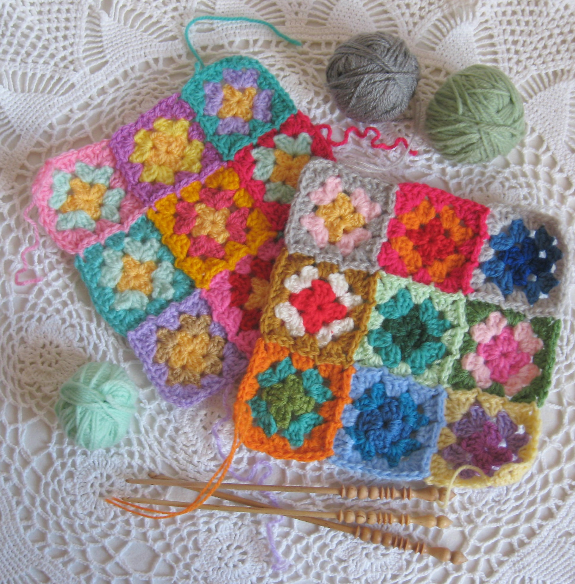Inspirational Crocheting to Her the Granny Square Patches and Crochet Squares together Of Lovely 43 Ideas Crochet Squares together