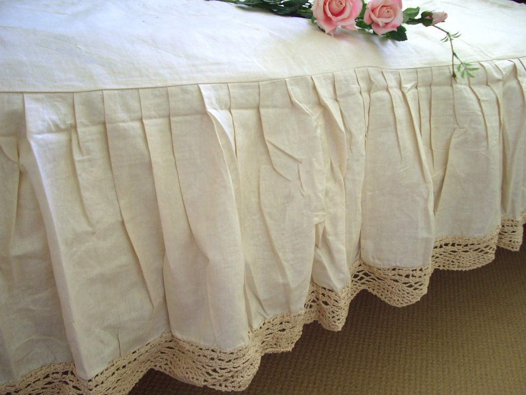 Inspirational Ecru Hand Crochet Lace Cotton Bed Sheet Skirt Double Crochet Bed Skirts Of Gorgeous 41 Pics Crochet Bed Skirts