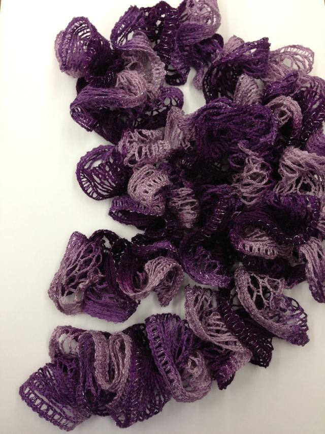 How to Make a Crocheted Ruffle Scarf Snapguide