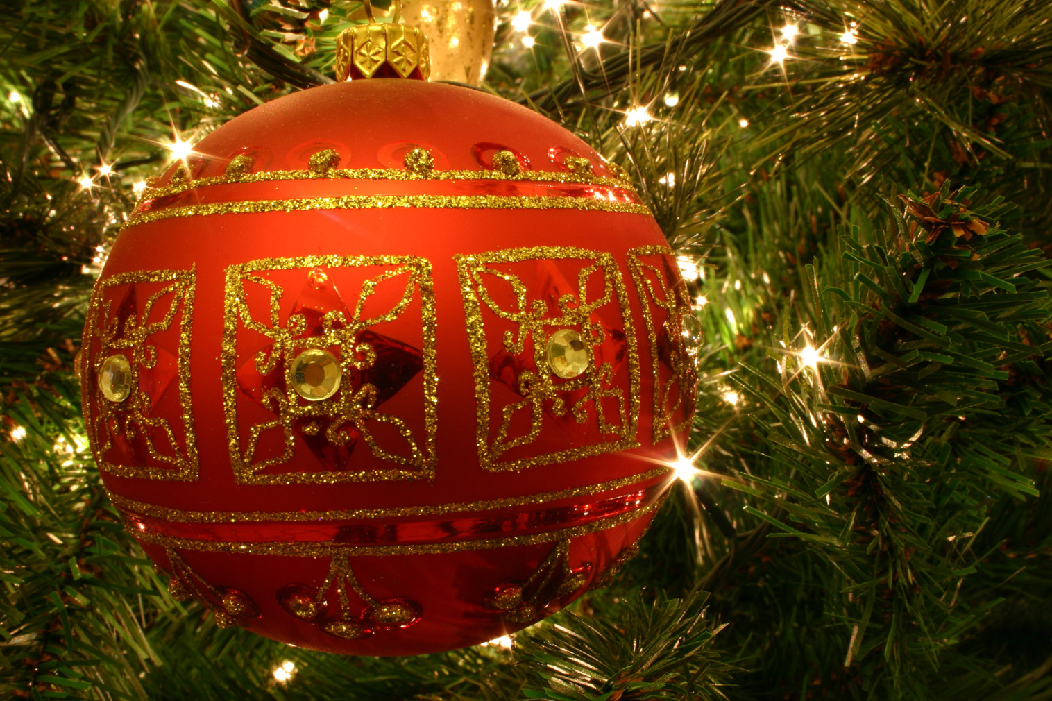 Inspirational ornamentation and Christmas Trees Christmas Tree Balls Of Wonderful 50 Pictures Christmas Tree Balls