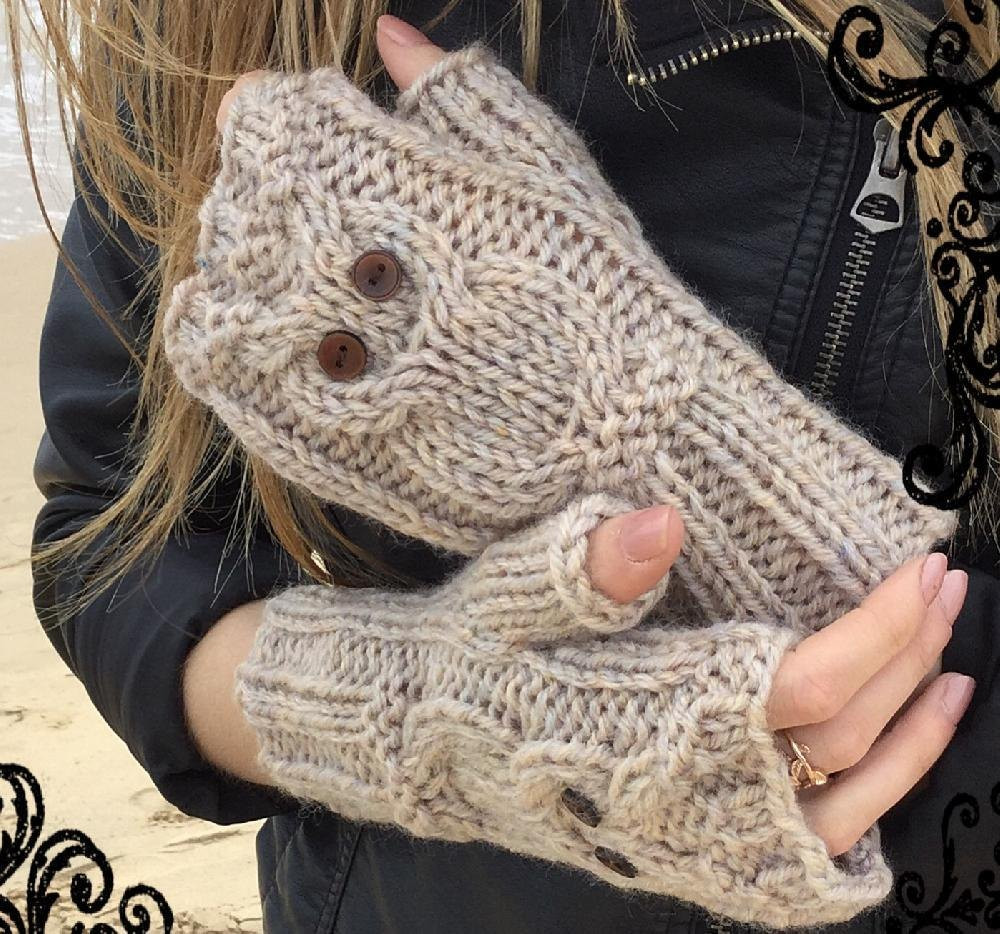 Play Owl mitts Knitting pattern by The Lonely Sea