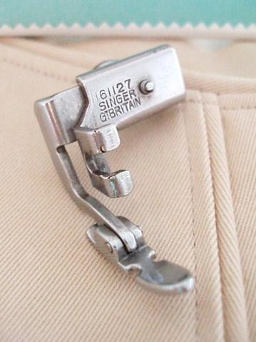 Inspirational Singer Featherweight 221 Zipper Cording Foot attachment Singer Sewing Machine Zipper Foot Of Wonderful 43 Pictures Singer Sewing Machine Zipper Foot