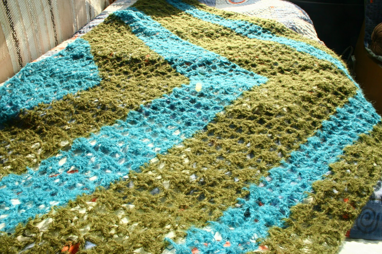 Turtle Whicky crochet crochet triangle scarf