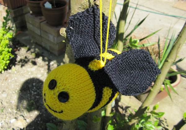 Inspirational Yarn Bombing Knitted Bee Tutorial Yarn Bee Patterns Of Luxury 44 Photos Yarn Bee Patterns