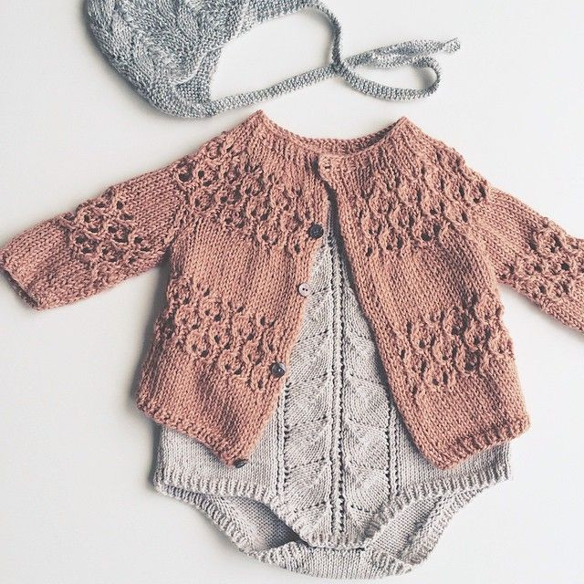 Knitted baby clothes for ting cottageartcreations