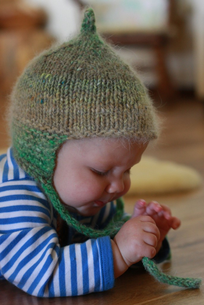 knitted baby hat 4178