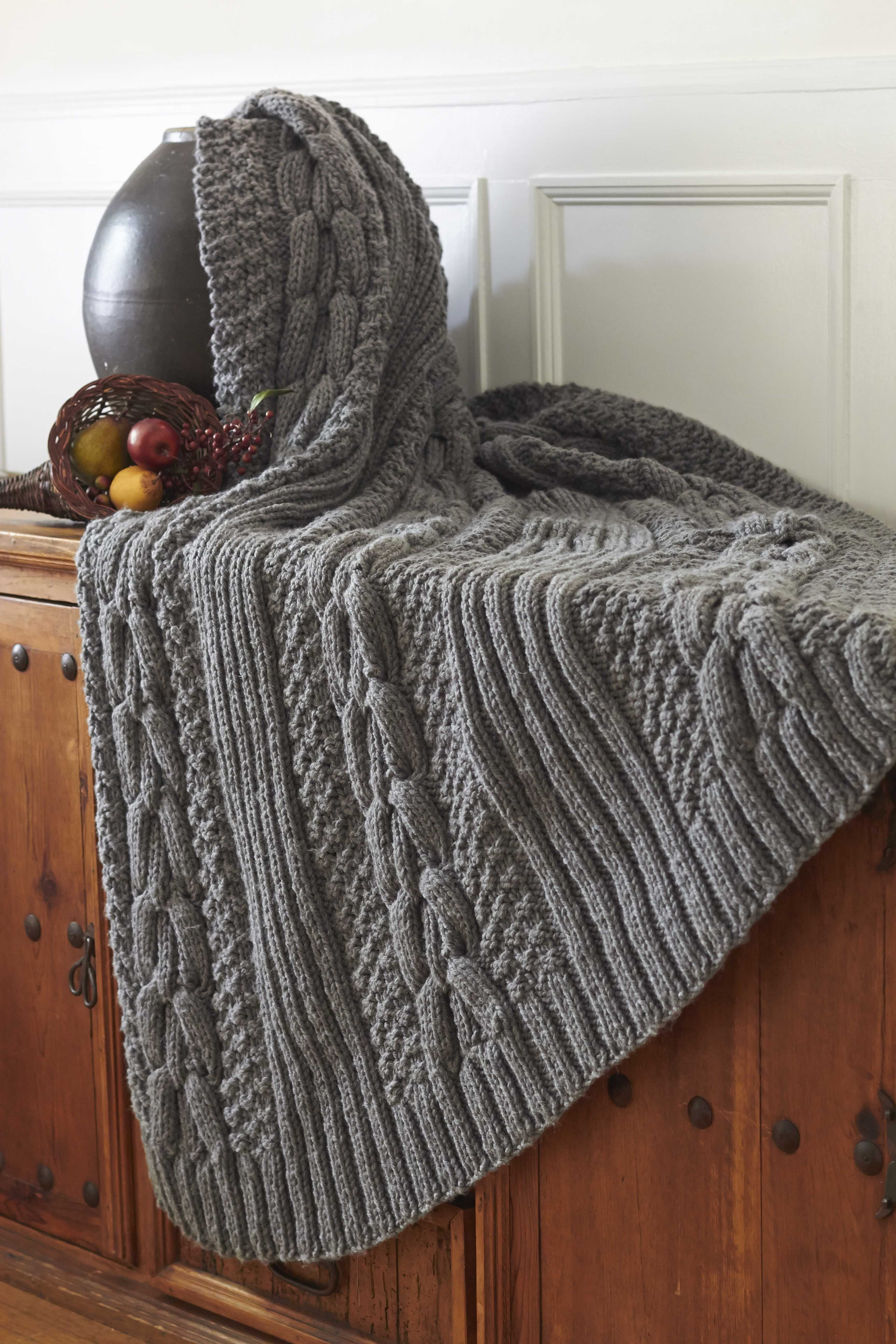 Knitted Throw Beautiful Bernat Harvest Home Horseshoe Cable Blanket Harvesthome Of Wonderful 48 Images Knitted Throw