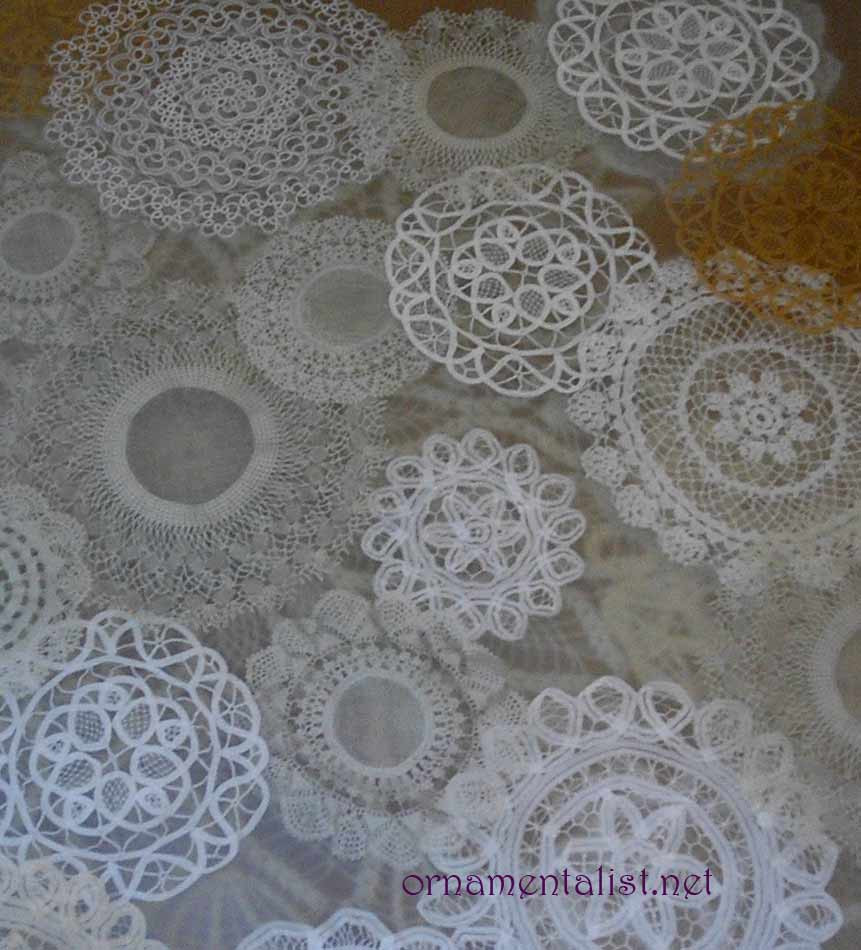 lacy doily table ment form
