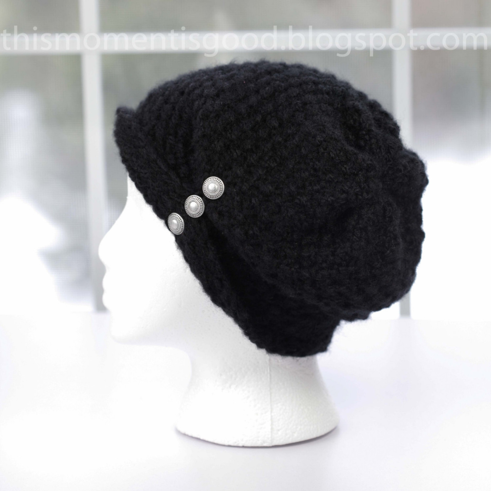 Loom Knit la s folded brim hat with buttons pattern