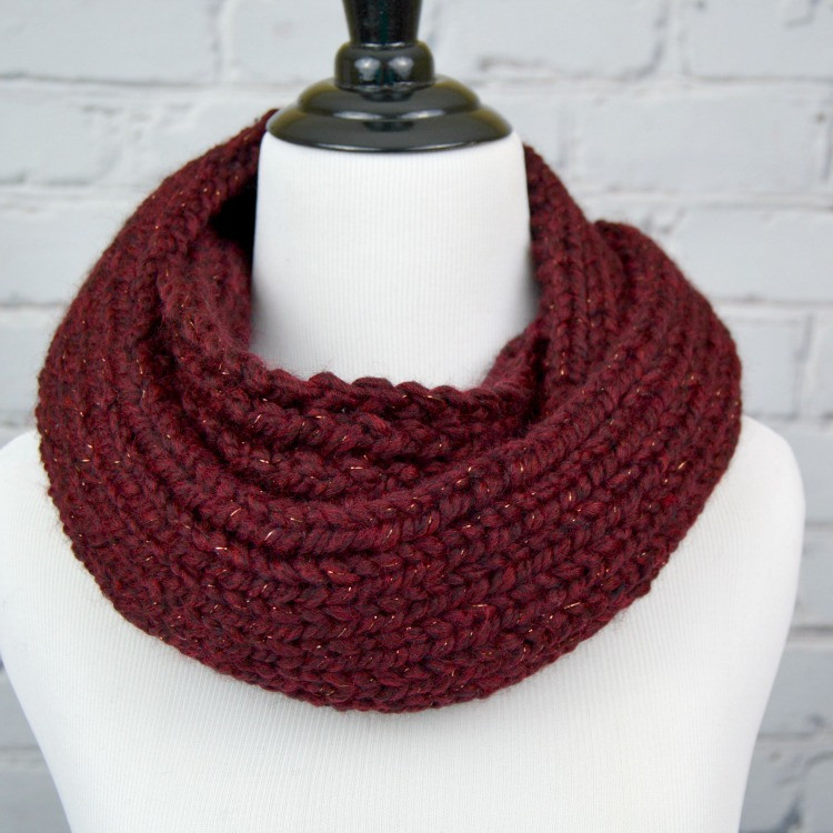 How to Knit an Infinity Scarf Crafts Unleashed