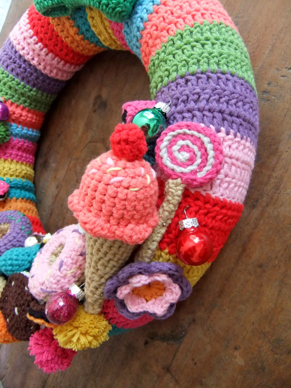 Love Of Crochet Awesome I Love buttons by Emma Crochet Christmas Wreath Of Awesome 49 Ideas Love Of Crochet