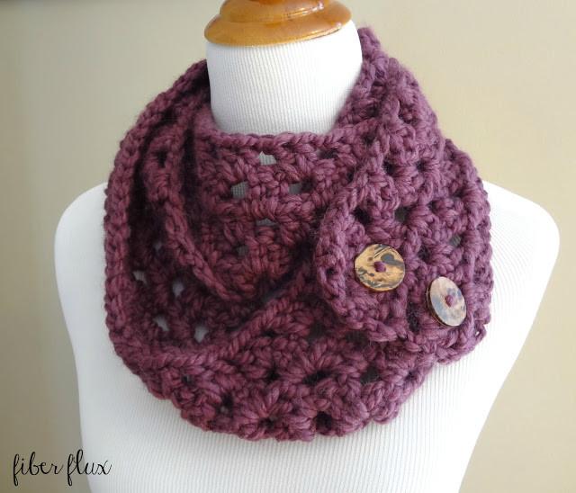 Lovely 15 Easy Chunky Crochet Cowls to Keep You Cozy and Warm Crochet button Scarf Of Top 47 Images Crochet button Scarf