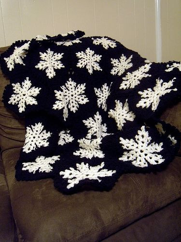 Lovely 30 Best Images About Allie Afghans On Pinterest Snowflake Blanket Of Lovely 50 Models Snowflake Blanket