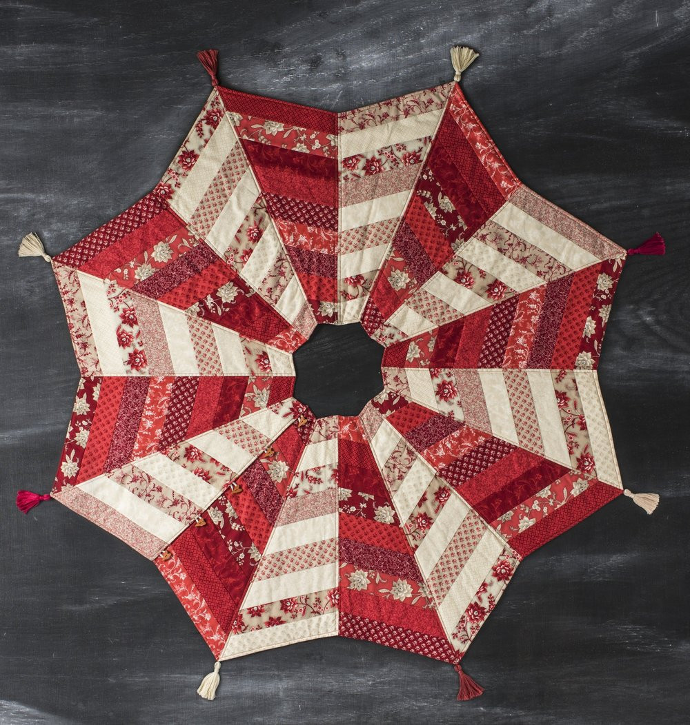 A Christmas Tree Skirt Pattern You ll Sew and Love