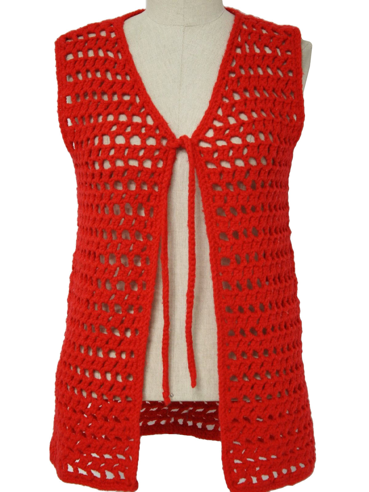 A Crochet Vest Accentuating Your Ordinary Outfits With