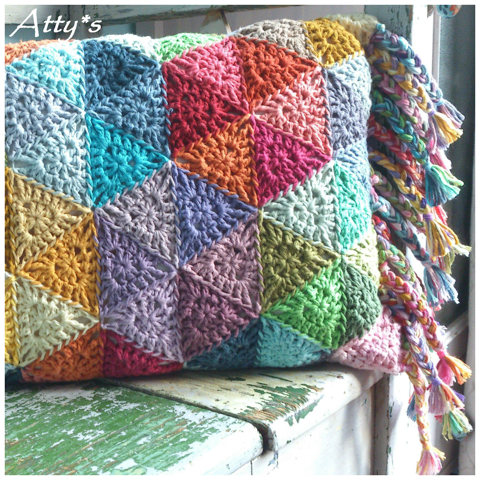 "Lovely atty S ""triangle Circle"" Pillow Crochet Triangles Of Charming 42 Images Crochet Triangles"