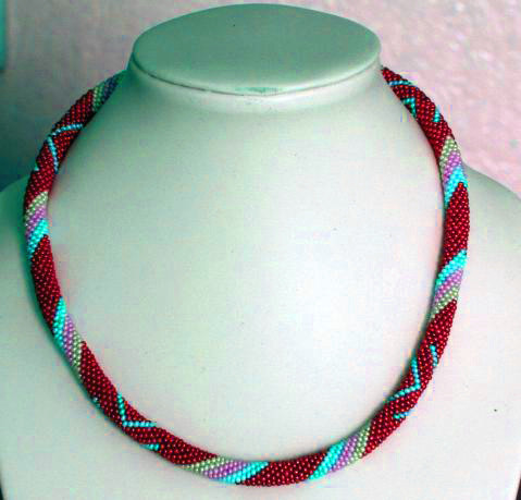 BEADED ROPE NECKLACE PATTERN