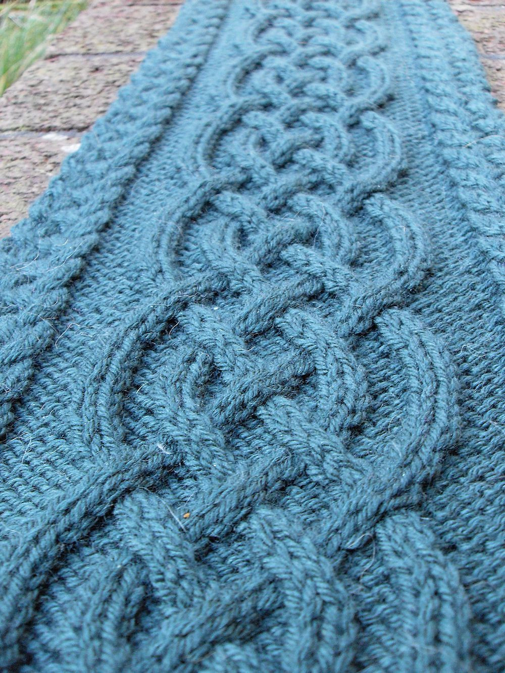 Lovely Celtic Cable Scarf by Vanessa Lewis Free Knitted Pattern Cable Knitting Patterns Of Beautiful 41 Models Cable Knitting Patterns