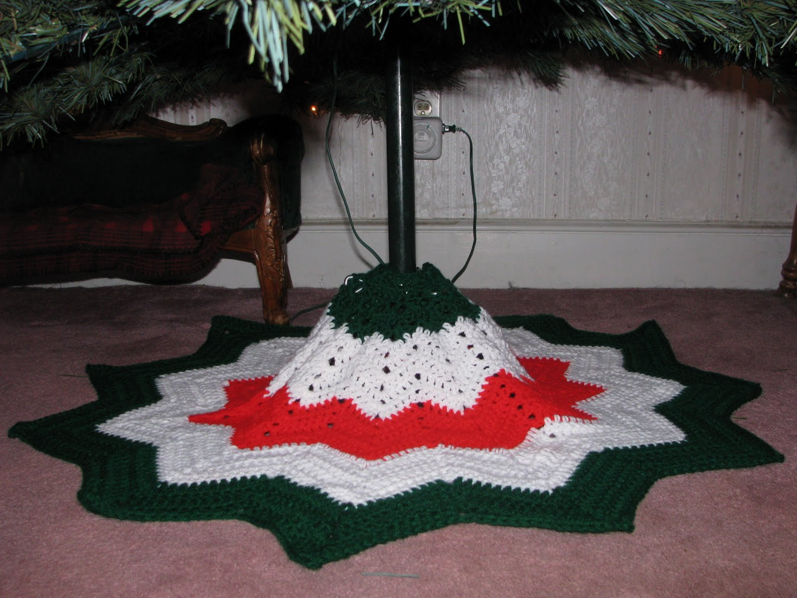 Lovely Craft attic Resources Tree Skirt is Finished Free Tree Skirt Patterns Of Brilliant 44 Pics Free Tree Skirt Patterns