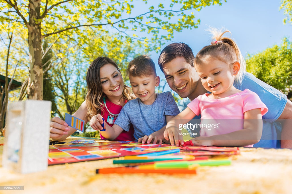 Lovely Happy Family Spending A Day Outdoors and Playing Board Board Games to Play with Family Of Incredible 45 Ideas Board Games to Play with Family