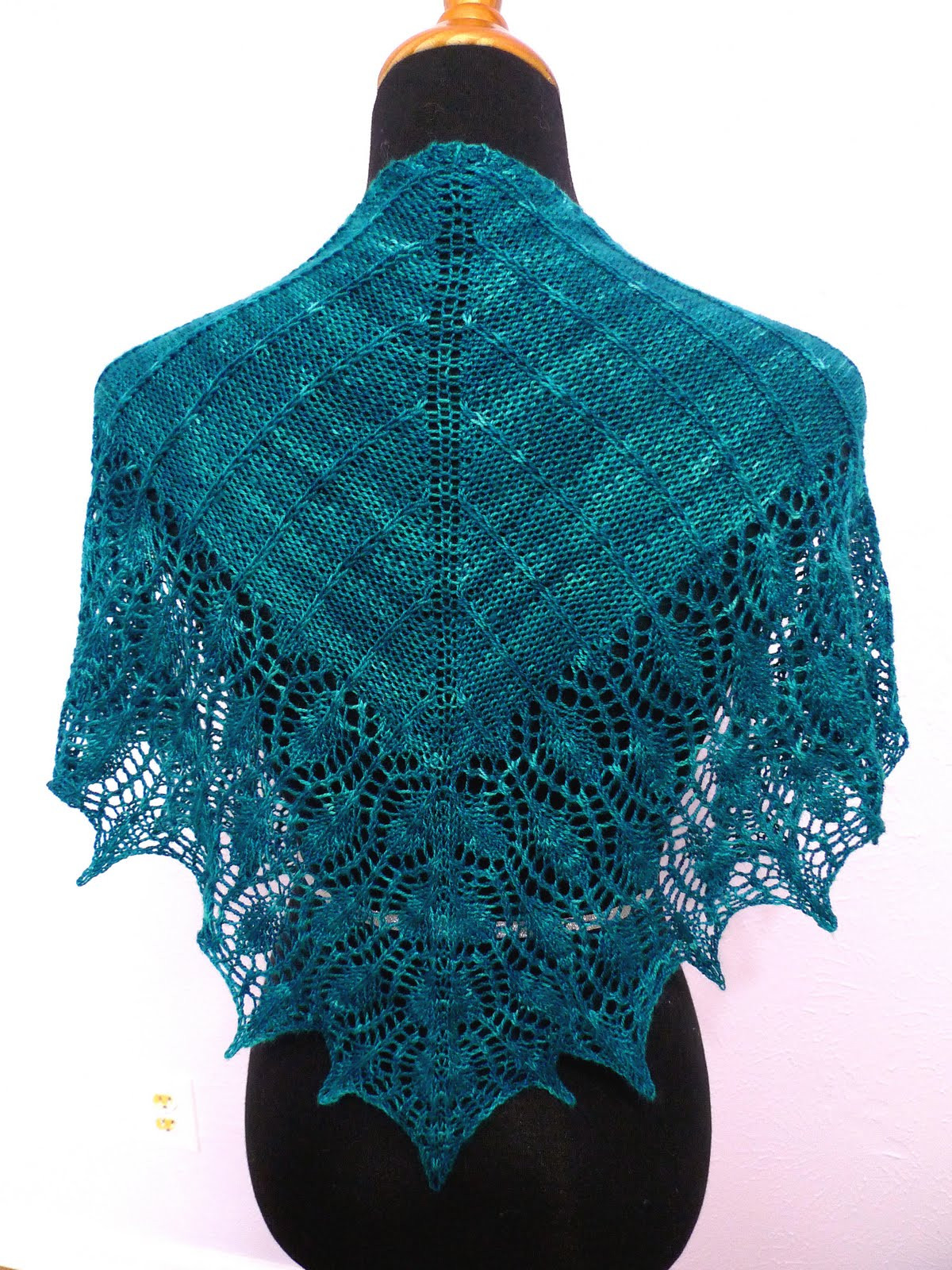 Lovely Knit Your Love Peacock Shawlette N Shawl Ebook Peacock Shawl Of Charming 44 Pictures Peacock Shawl