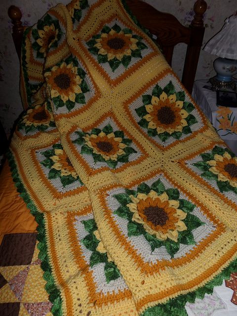 Lovely Ravelry Ruthl S Sunflower Afghan Sunflower Afghan Of Unique Sunflowers Lap Warmer Free Crochet Pattern Crochet Sunflower Afghan