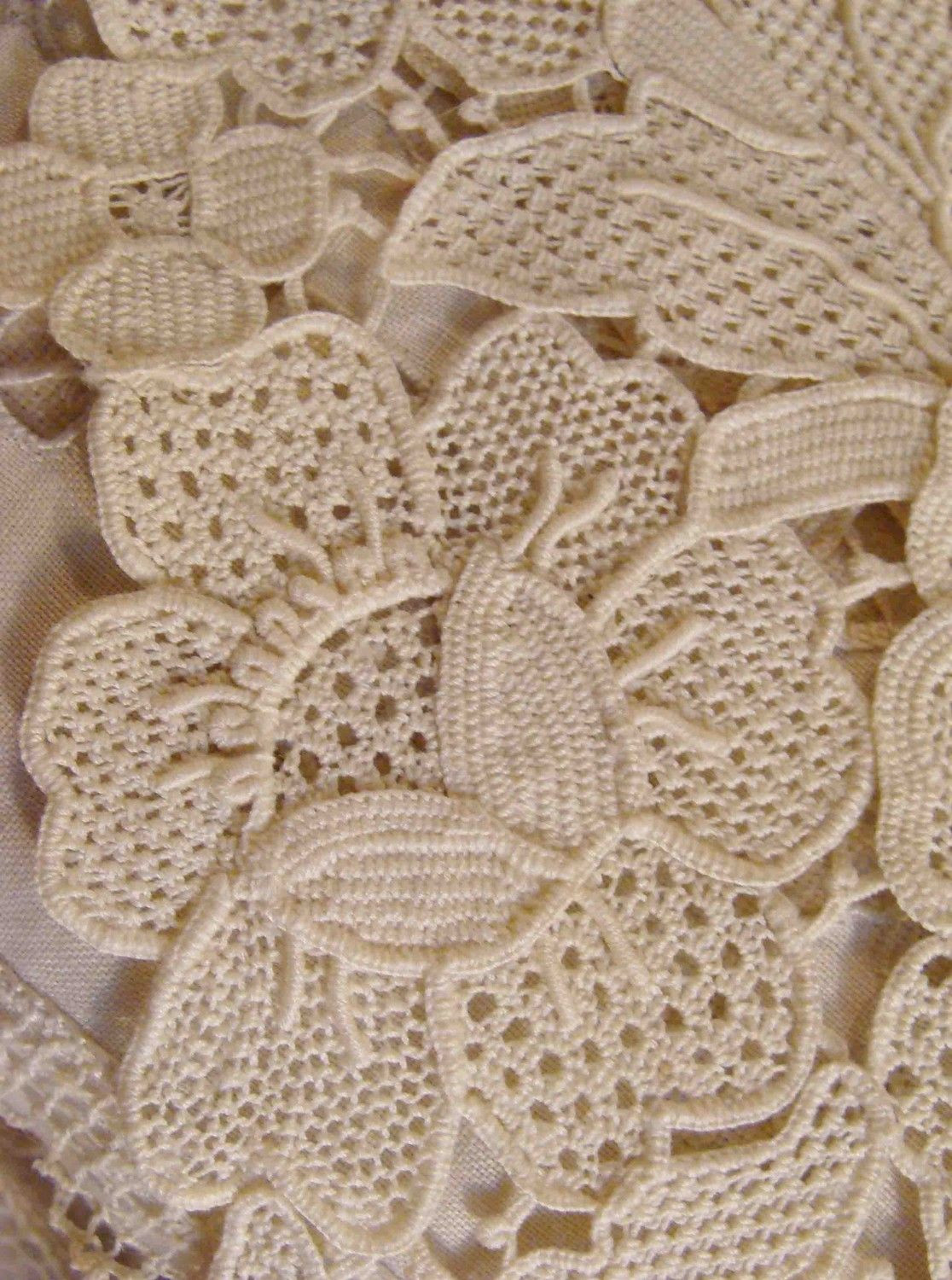 Lovely Romanian Point Lace Looks Very Much Like Rose Point Laces Crochet Of Beautiful 47 Images Laces Crochet