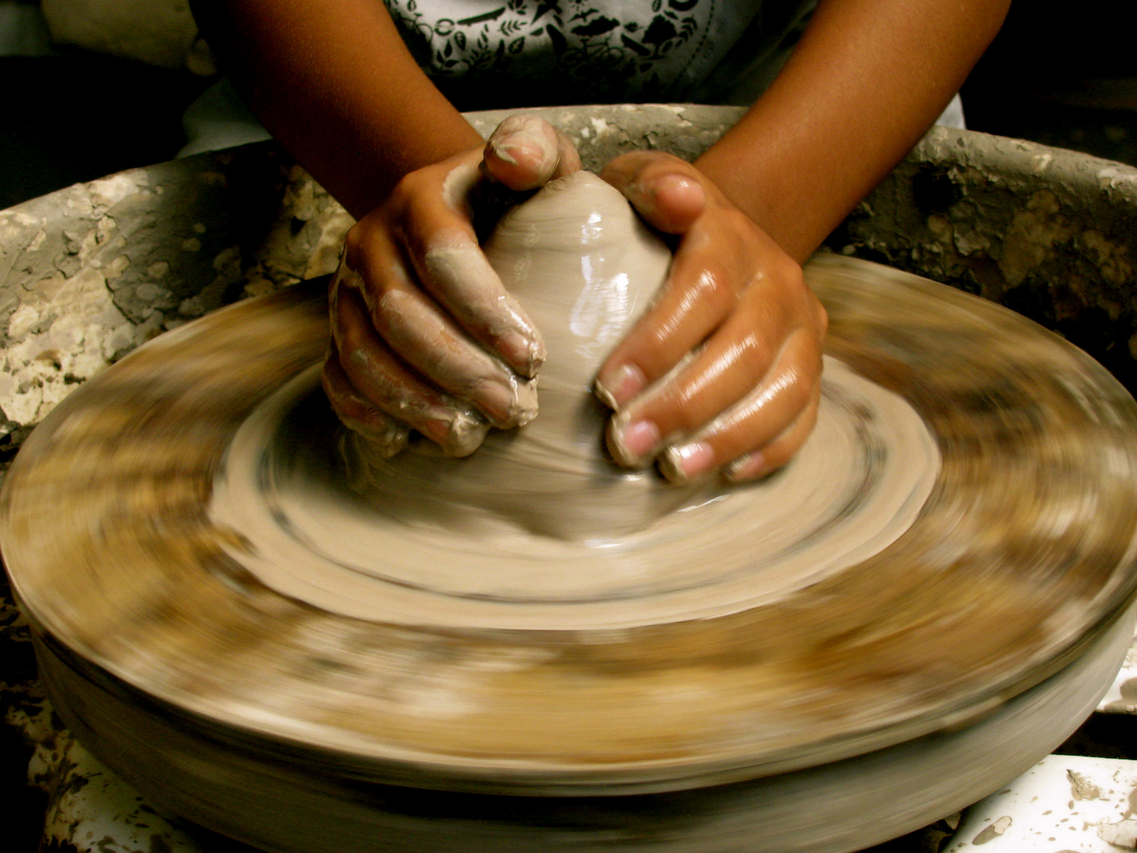 Lovely Throw It Clay Pottery Wheel Of Superb 47 Pictures Clay Pottery Wheel