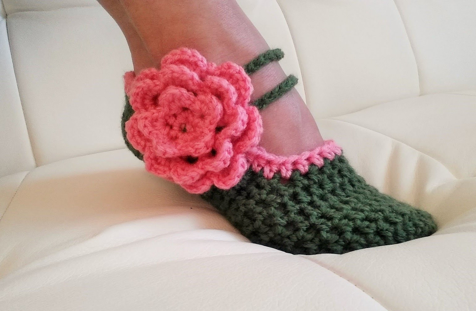 [Video Tutorial] These Fancy Mary Jane Slippers Are