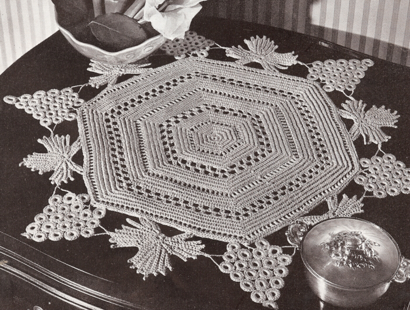 Lovely Vintage Crochet Pattern to Make Irish Grape Leaves Doily Vintage Crochet Patterns Of Attractive 43 Pictures Vintage Crochet Patterns