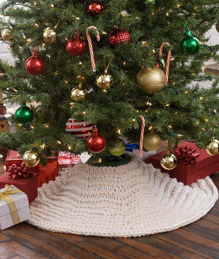 Lovely Winter Dreams Tree Skirt Knit Tree Skirt Pattern Of Delightful 49 Images Knit Tree Skirt Pattern