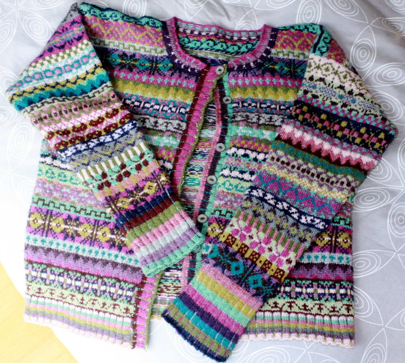 Luxury Busyhands Fair isle Cardigan and today S Pages Fair isle Sweater Pattern Of Amazing 44 Ideas Fair isle Sweater Pattern