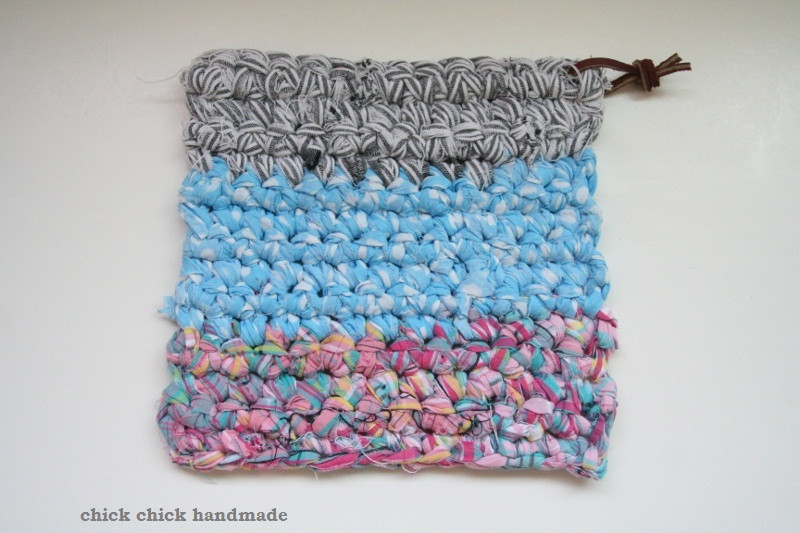 Luxury Chick Chick Sewing Crocheted Potholder with Fabric Strip Yarn Crochet Rug with Fabric Strips Of Lovely Goat Feathers Crochet Rug and Purse Crochet Rug with Fabric Strips