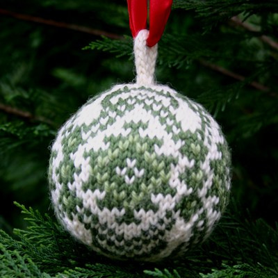 Luxury Christmas Balls – A Free Knitting Pattern Pdf Knitted Christmas ornaments Of Incredible 50 Models Knitted Christmas ornaments
