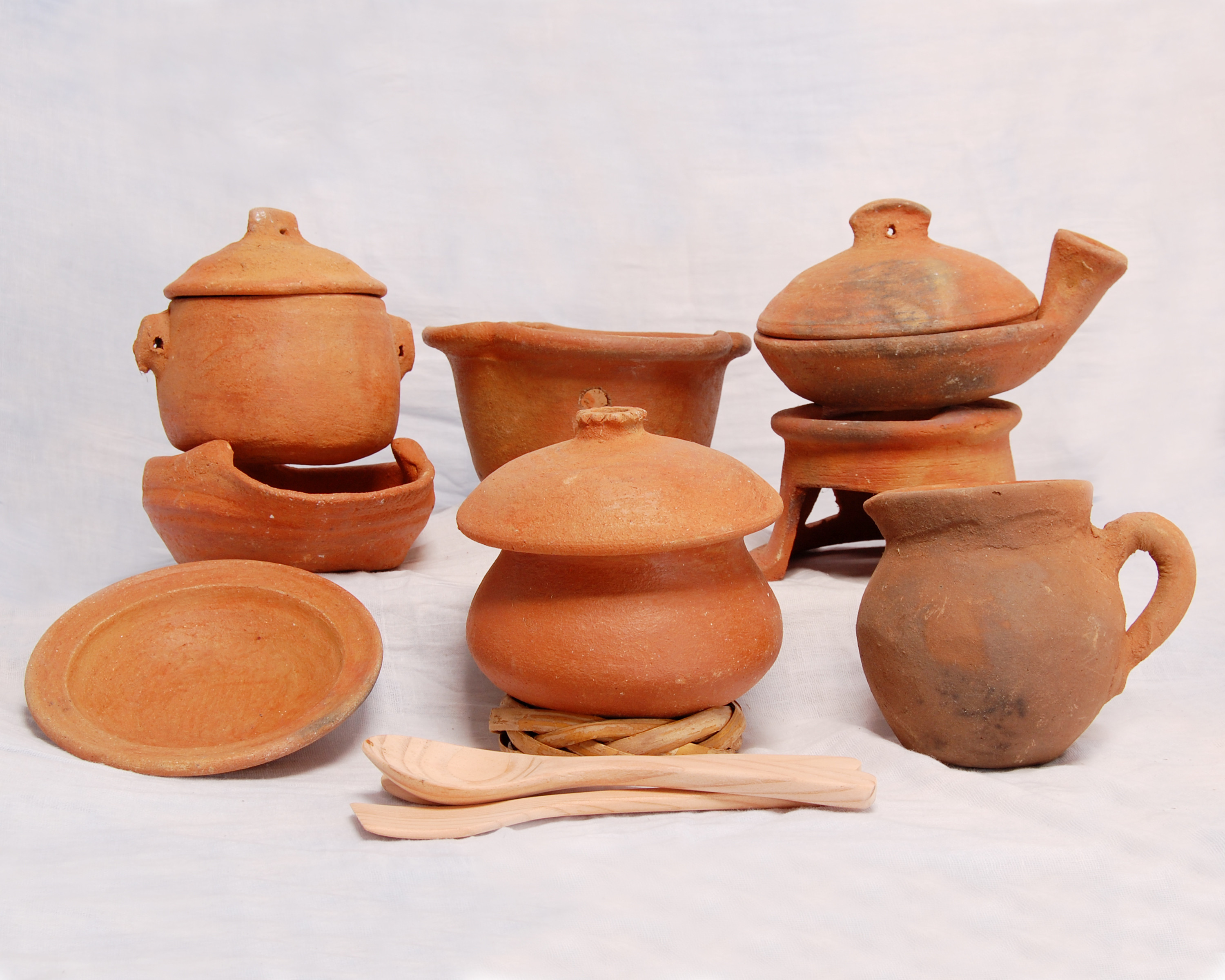 Luxury Clay Pots Pottery Clay for Sale Of Unique Traditional Ceramic Jugs Decorative towel Showcase Pottery Clay for Sale