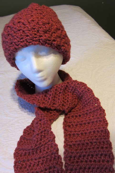 Crochet Hat and Scarf Chunky Rose Color Yarn