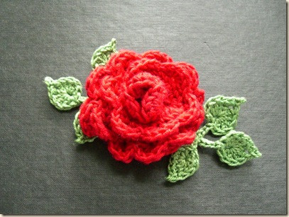 crochet rose with leaves pattern