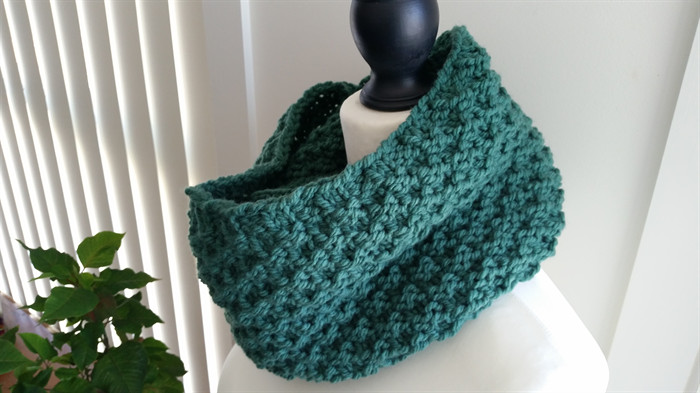 Luxury Emerald Green Infinity Scarf Cowl Hand Knitted Acrylic Emerald Green Yarn Of Gorgeous 43 Pics Emerald Green Yarn