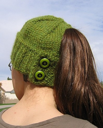 FREE KNITTING PATTERN FOR PONYTAIL HAT VERY SIMPLE FREE