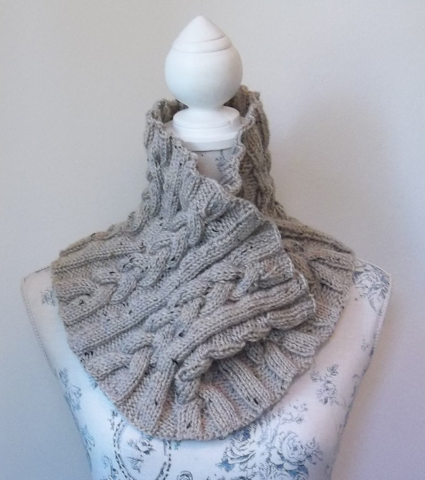 Luxury Hand Knitting Patterns Aran Cowls Hats Scarves and Designer Knitting Patterns Of Incredible 48 Pics Designer Knitting Patterns